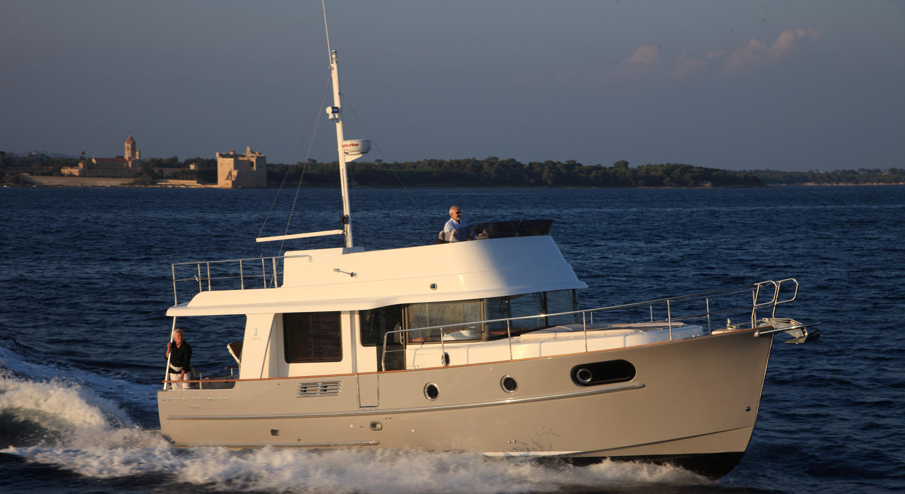 Swift Trawler 44 Navigation