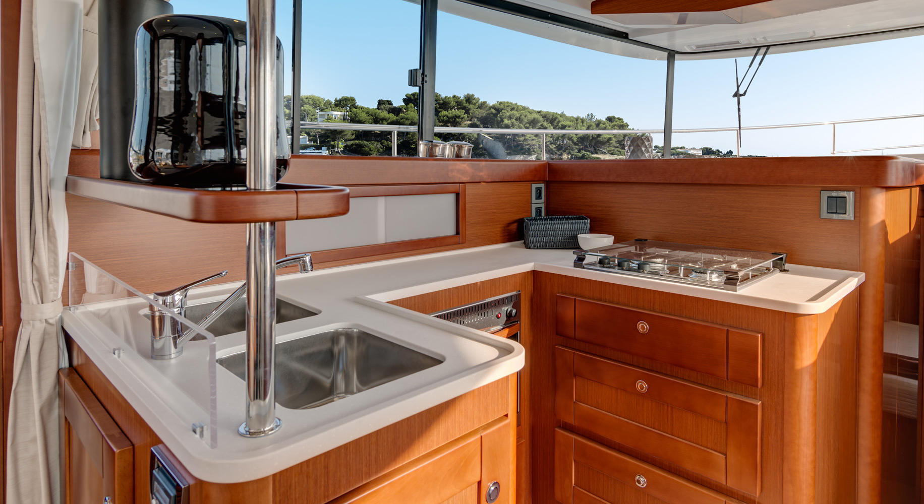 Swift Trawler 44 Cuisine
