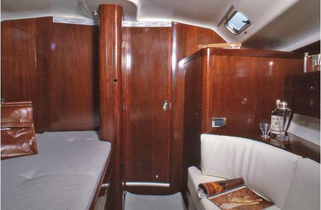 First 45 F 5 BENETEAU HERITAGE